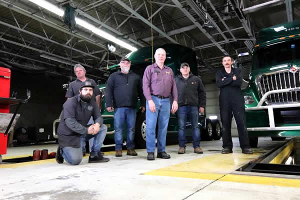 Talented truck and trailer repair technicians at Daggett Truck Line Inc.